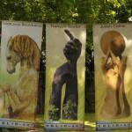 banderole artistique pour une exposition d'art contemporain